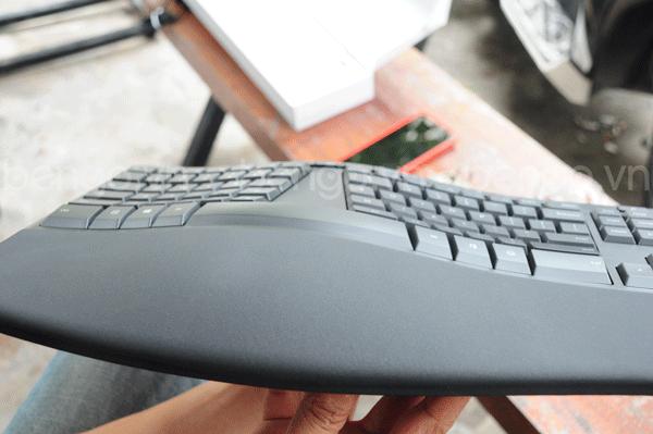 Bàn phím có dây Microsoft Ergonomic